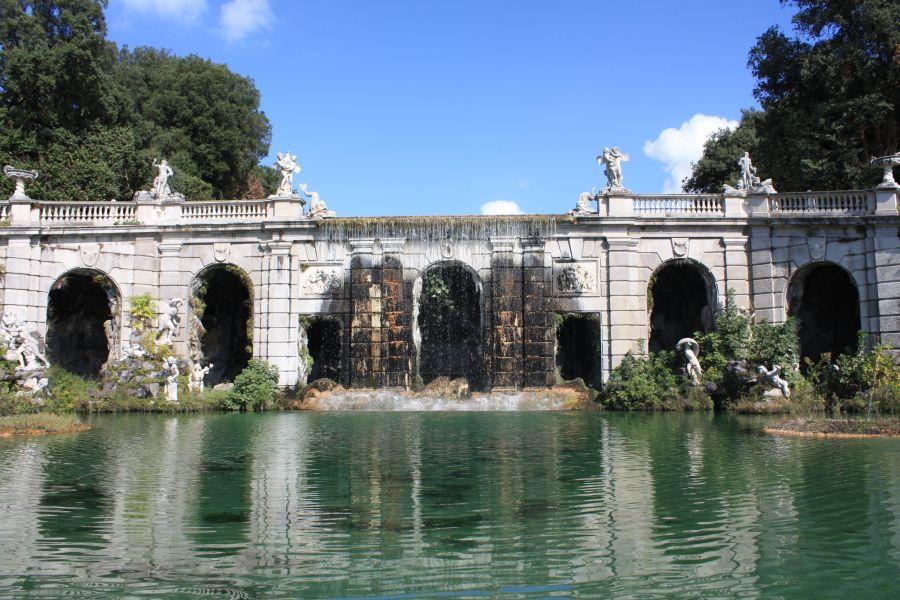 Caserta fontanna delfinów