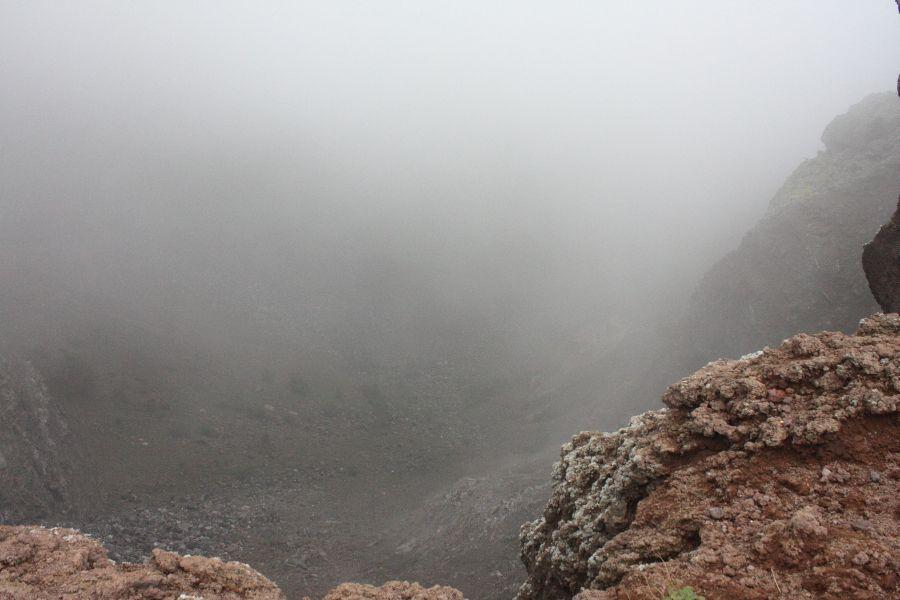 Wezuwiusz widok na krater