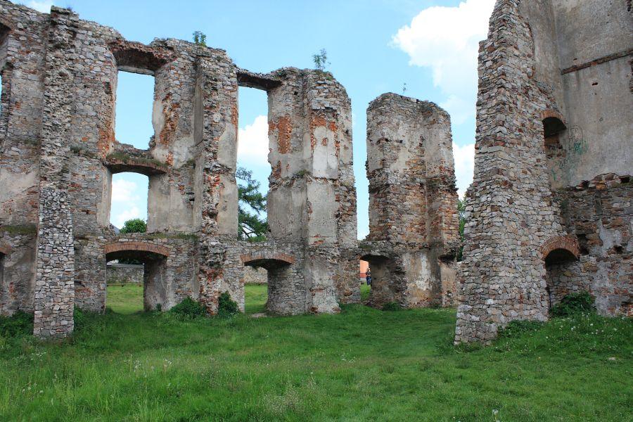 Zamek Bodzentyn ruiny