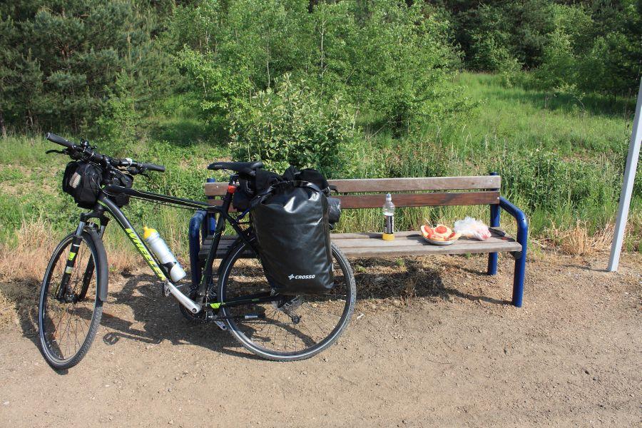wyprawa rowerem posiłek